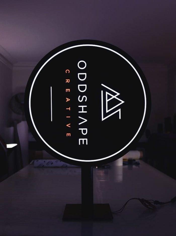 Circular-Lightbox-Oddshape-White-Rim