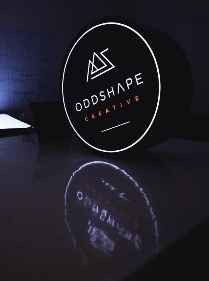 Circular-Lightbox-Oddshape-White-Rim-9